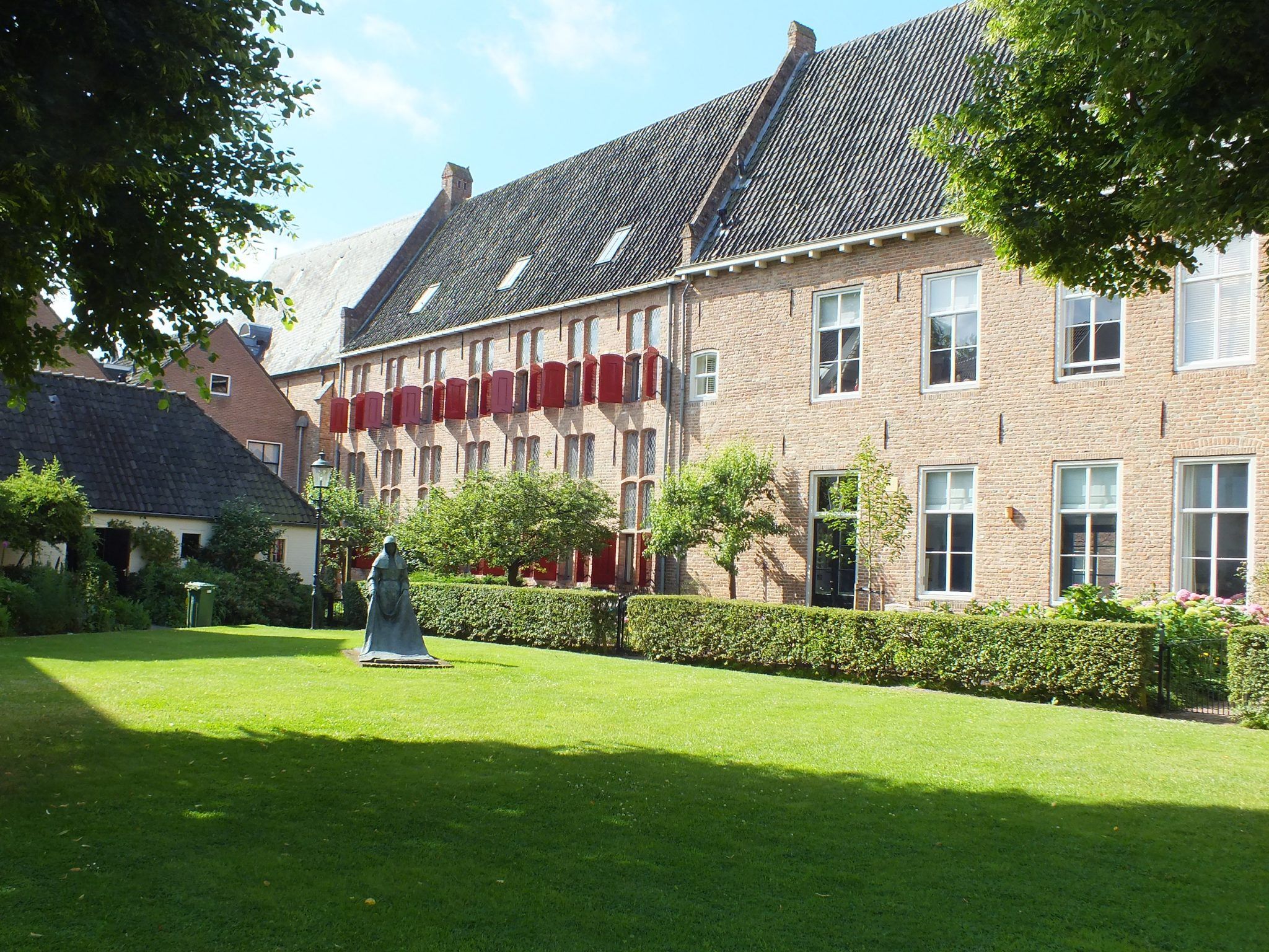 Oude wand 31-33 , voormalig Klooster